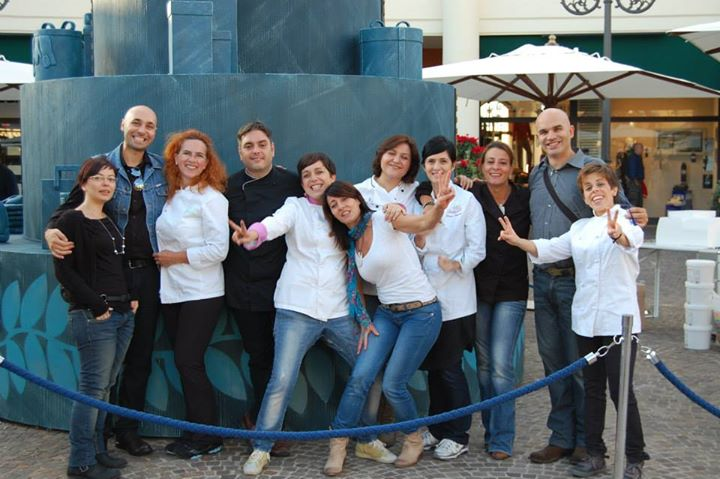 castelromano-outlet-cakeart-of-denim-staff