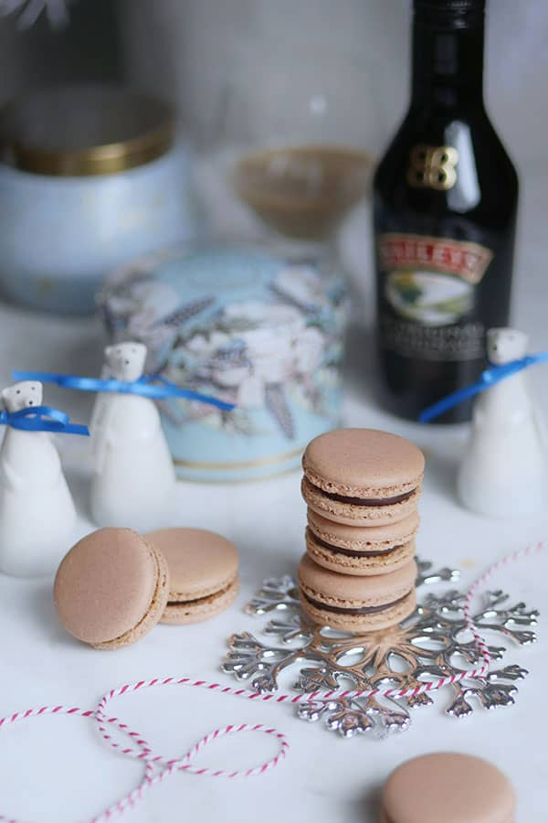 Boozy macarons winter christmas fillings